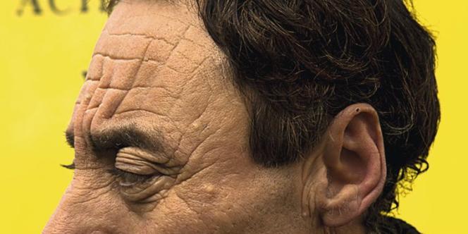 Un peu photographe, un peu plasticien, Lorenzo Vitturi (ci-dessus) a promené son regard décalé au marché d'Aligre (Paris 12e), rapportant dans son panier des images et de quoi créer  de drôles de sculptures qu'il commente pour M. Photo: Lorenzo Vitturi