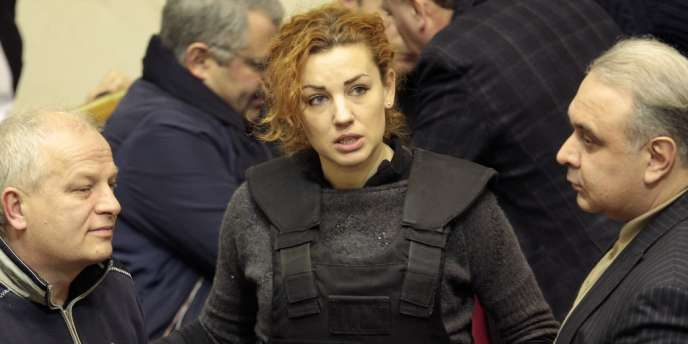 Lesia Orobets est à 31 ans la plus jeune parlementaire ukrainienne. Elle siège depuis six ans à la Rada dans les rangs du parti Batkivchtchina de l'ancienne première ministre emprisonnée Ioulia Timochenko.