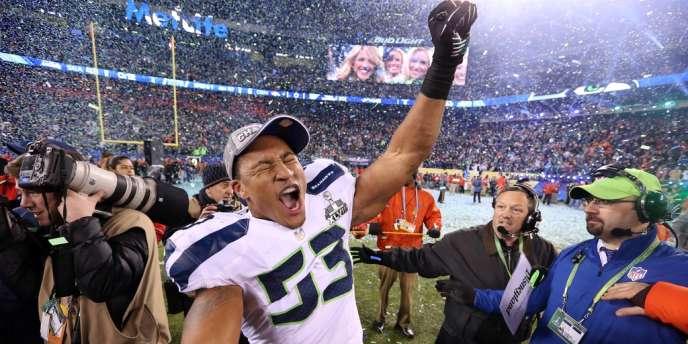 Malcolm Smith, des Seattle Seahawks, célèbre la victoire de son équipe sur celle de Denver, dimanche 2 février.