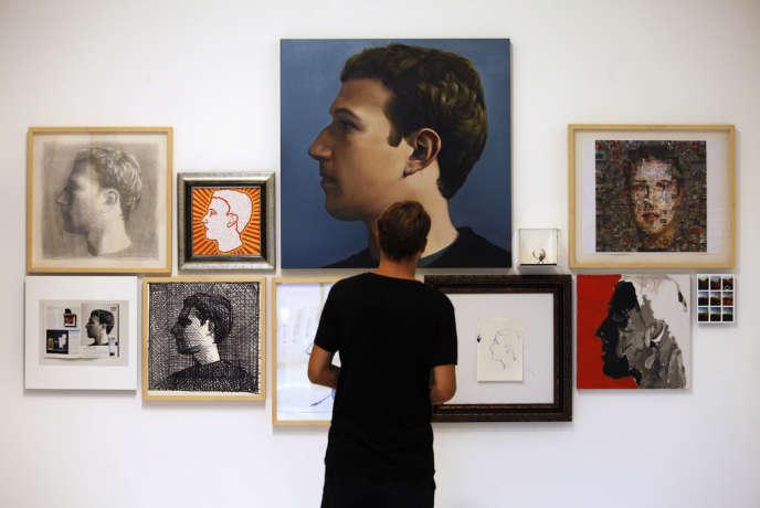 Exposition de portraits de Mark Zuckerberg de l'artiste Zhu Jia, à Singapour, en octobre 2013.