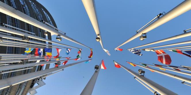 Les intentions de vote aux élections européennes placent le FN en première position.