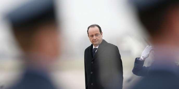 François Hollande à Brize Norton (Royaume-Uni), le 31 janvier.
