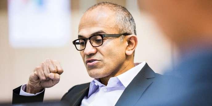 Microsoft a annoncé la nomination de son nouveau directeur général, et le départ de Bill Gates de la présidence du conseil d'administration.