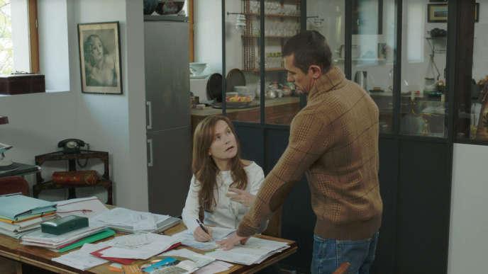 Isabelle Huppert et Kool Shen dans le film français de Catherine Breillat,