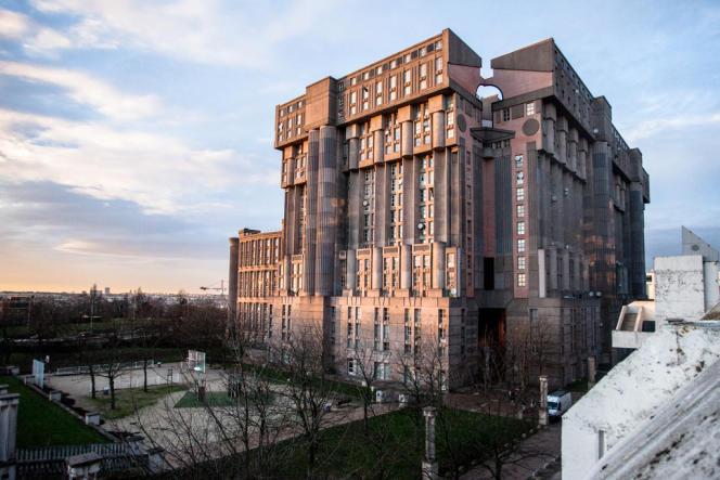 Ricardo Bofill a imaginé les Espaces d'Abraxas comme un ensemble de logements fermé sur l'extérieur.