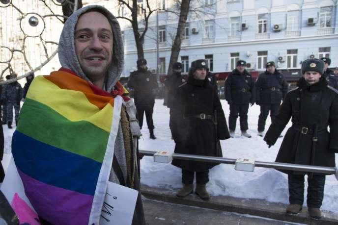 Un militant pour les droits des homosexuels le 19 janvier à Moscou.