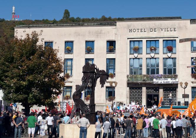 Manifestation pour protester contre la fermeture de l'usine ArcelorMittal à Hayange (Moselle), en 2011.