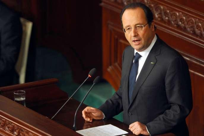 François Hollande devant l'Assemblée constituante tunisienne, le 7 février 2014.