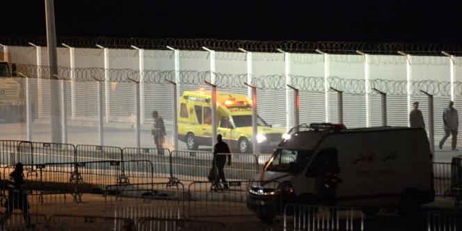 Environ 400 immigrés d'Afrique subsaharienne, selon les autorités espagnoles, ont tenté, jeudi, de pénétrer dans l'enclave de Ceuta, depuis le Maroc, par la plage et par le poste-frontière.