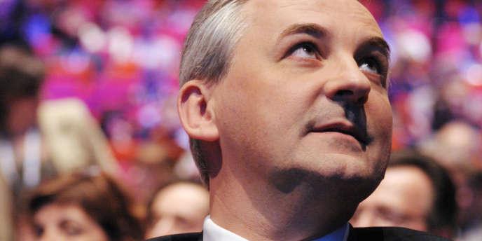 Le président de Banque populaire-Caisse d'épargne (BPCE), François Pérol, veut que son groupe puisse reprendre sa liberté et pouvoir ainsi se développer dans l'assurance.