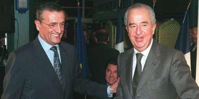 Edouard Balladur et François Léotard. Dans l'affaire de Karachi, les juges Renaud Van Ruymbeke et Roger Le Loire se sont dessaisis, le 6 février, au profit de la Cour de justice de la République.
