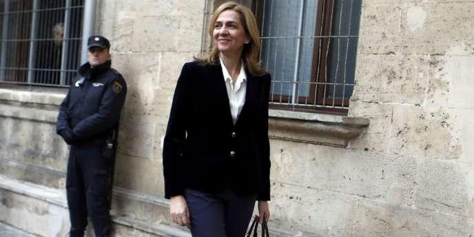 L'infante Cristina d'Espagne à son arrivée au tribunal de Palma de Majorque, samedi 8 février.