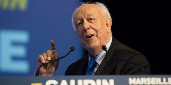Le maire UMP de Marseille Jean-Claude Gaudin, candidat à sa réélection, lors d'un meeting de campagne, le 7 février.