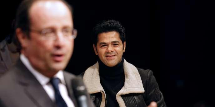 Le comédien Jamel Debbouze a invité le président François Hollande à assister à un match d'improvisation entre collégiens à Trappes (Yvelines).