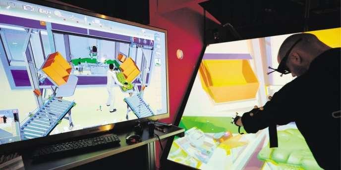 Au Laval Virtual, salon de l'innovation et des nouvelles technologies, en 2013 à Laval (Mayenne).