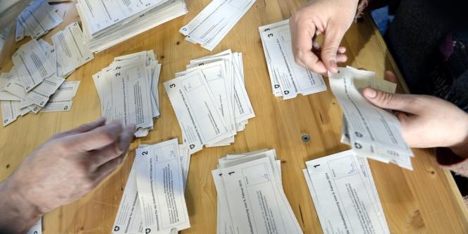 Le dépouillement des votations du dimanche 9 février, en Suisse.