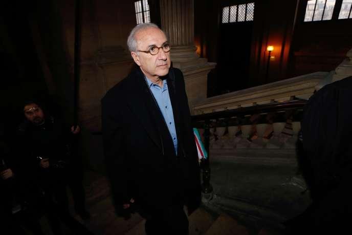 André Hazout, lors de son arrivée au tribunal, à Paris le 4 février 2014.