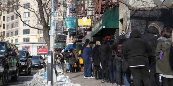 La queue devant la boulangerie Dominique Ansel à New York.