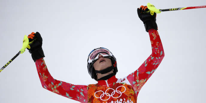 Maria Höfl-Riesch, levant les bras à l'arrivée du slalom de l'épreuve du super-combiné.