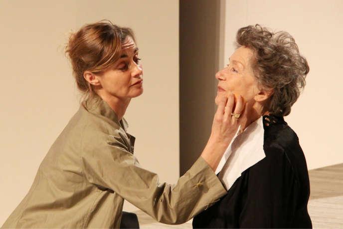 Anne Consigny et Emmanuelle Riva dans