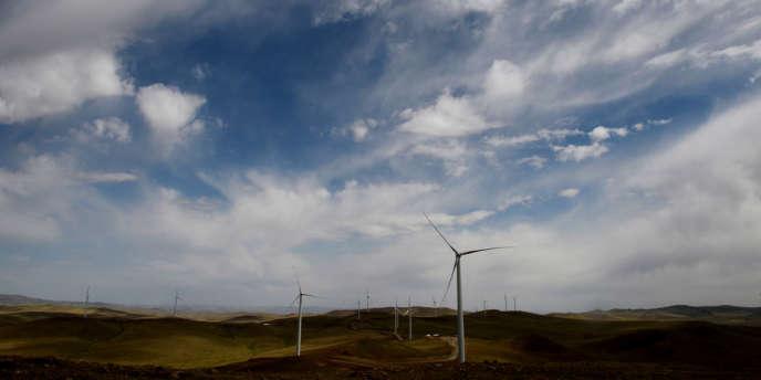 L'économiste britannique Nicolas Stern et l'ancien président mexicain Felipe Calderon proposent un plan d'action pour placer l'économie mondiale sur la voie de la transition énergétique.