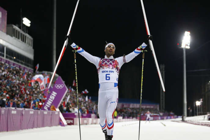 Martin Fourcade, après avoir franchi la ligne d'arrivée aux jeux olympiques de Sotchi, lundi 10 février.