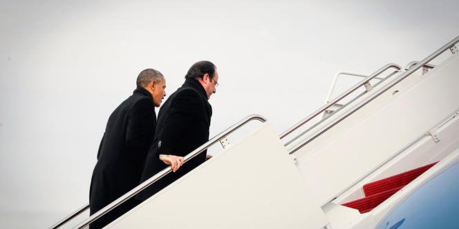 Barack Obama et François Hollande sur la base aérienne d'Andrews, près de Washington, le 10 février.