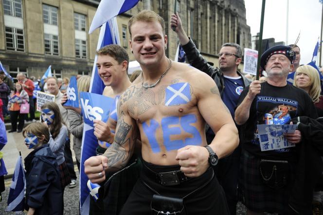 Des partisans de l'indépendance de l'Ecosse à Edimbourg.
