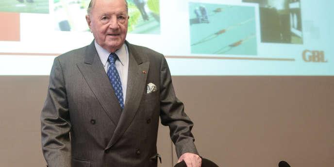 Le milliardaire belge Albert Frère contrôle Imerys. Lundi 3 mars,  Minerals Technologies a dévoilé une nouvelle surenchère afin de prendre le contrôle de l'américain Amcol, le leader mondial de la bentonite, également convoité par Imerys.