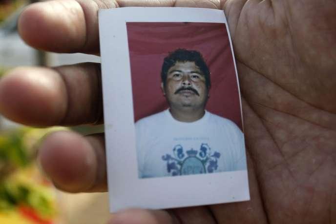 Une photo de Gregorio Jiménez de la Cruz, présentée le 5 février, jour de son enlèvement.