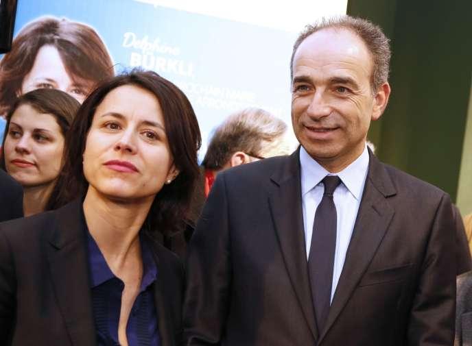 Jean-François Copé à la permanence de campagne de Delphine Bürkli, candidate UMP à la mairie du 9e arrondissement de Paris, le 12 février.