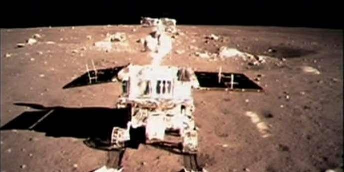 Photo du rover chinois Lapin de Jade prise sur la Lune le 15 décembre 2013.