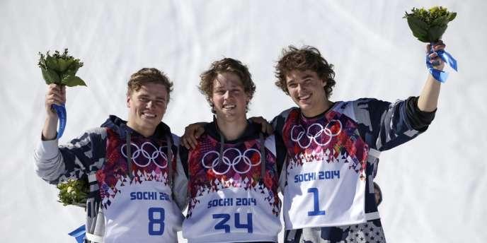 Les Américains Joss Christensen, Gus Kenworthy et Nicholas Goepper ont dominé l'épreuve de ski slopestyle, le 13 février.