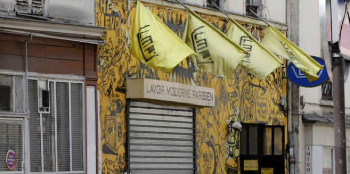 La façade du Lavoir moderne parisien dans le 18e, en mai 2013.