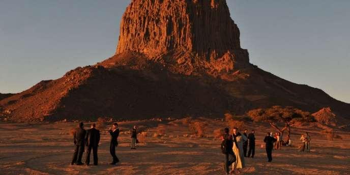 Dans le désert de Tamanrasset, pès du site d'essais nucléaires de Tena Fila, à 2000 km au sud d'Alger, en 2010.