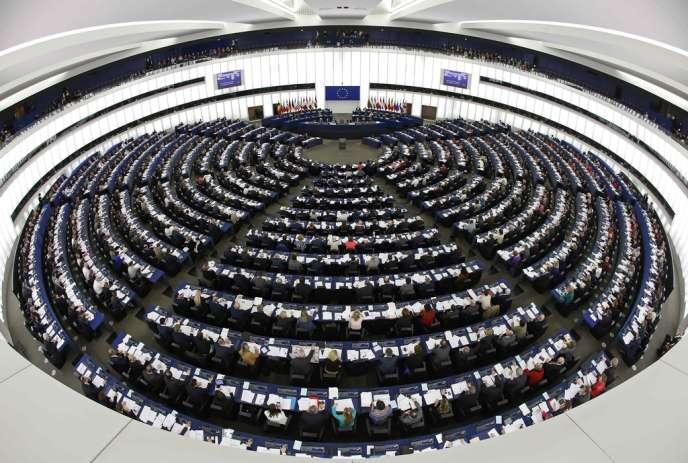 Les élus du Bundestag allemand, des Parlements néerlandais et finlandais ont pesé davantage que les eurodéputés dans la gestion des crises qui ont ébranlé les Vingt-Huit.