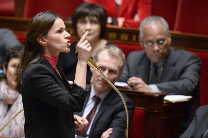 Les intermittents «ne sont pas des privilégiés», et le Medef «cherche un bouc émissaire car il est incapable de s'engager sur des contreparties au pacte de responsabilité proposé par le président», affirme Aurélie Filippetti.