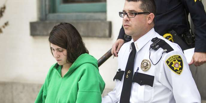 Miranda Barbour sort du tribunal de Sunbury, le 20 décembre 2013, après une audience concernant l'assassinat Troy LaFerrara.