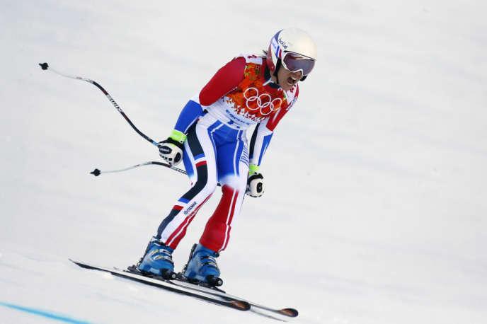 Marie-Marchand Arvier s'emporte après sa sortie de piste au super-G, le 15 février à Roza Khoutor.