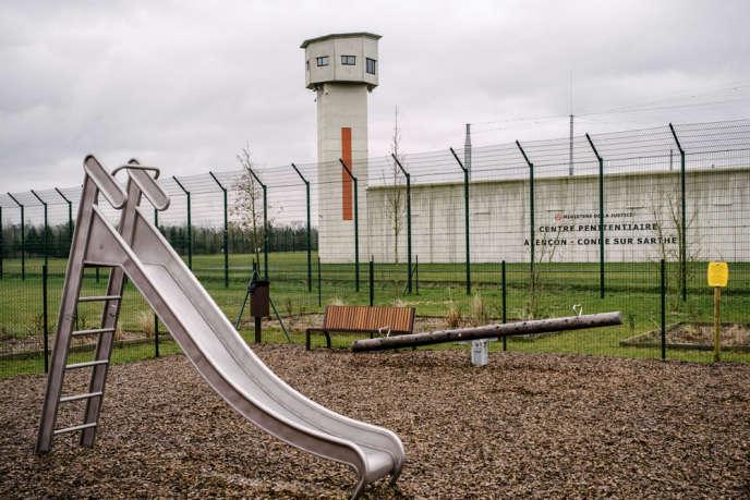 Le centre pénitentiaire D'Alençon-Condé accueille 68 détenus condamnés à des peines longues et réputés, pour certains, difficiles.