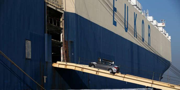 Embarquement de véhicules Hyundai destinés à l'exportation, près de l'usine d'Ulsan en Corée du Sud.