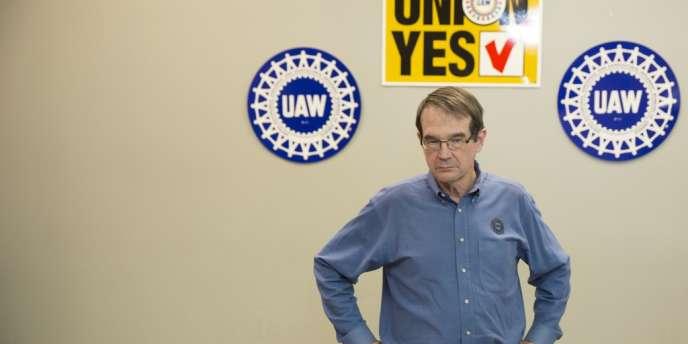 Bob King, président du syndicat UAW, pendant une conférence de presse à Chattanooga, le 14 février après l'annonce du vote de la majorité des 1 500 ouvriers contre l'implantation du syndicat.