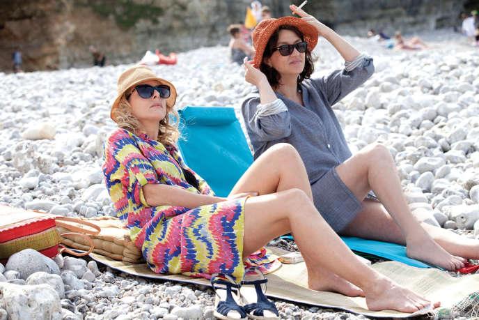 Karin Viard et Noémie Lvovsky dans le film français d'Anne Villacèque,
