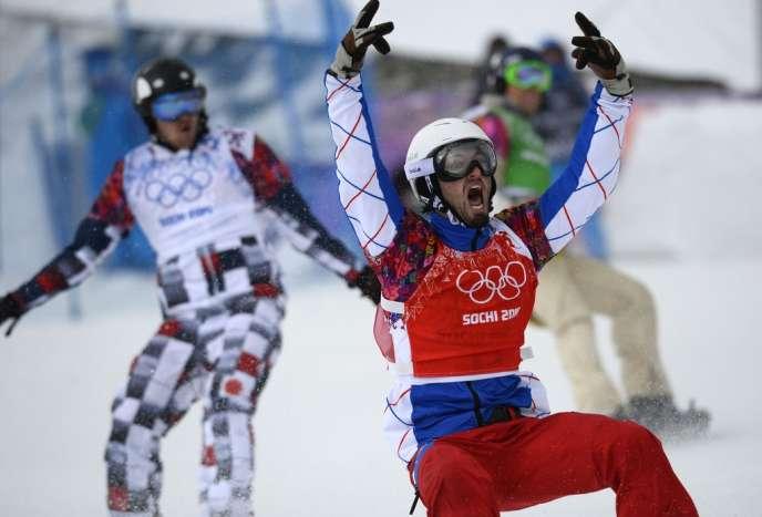 Pierre Vaultier, nouveau champion olympique de snowboardcross, le 18 février à Sotchi.