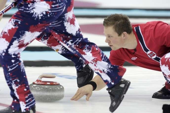 L'équipe norvégienne de curling s'est fait remarquer à Sotchi par ses tenues extravagantes.