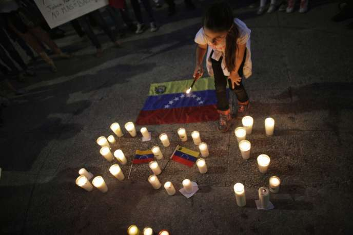 Manifestation à Caracas de soutien à l'opposant Leopoldo Lopez, emprisonné par le régime du président Nicolas Maduro, le 18 février 2014.