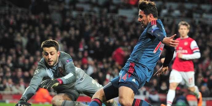 Les coéquipiers de Claudio Pizarro, l'attaquant du Bayern Munich, se sont défaits des Gunners d'Arsenal à l'extérieur, sur un score de 2 à 0.