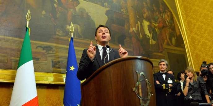 Matteo Renzi au Palais de Montecitorio mercredi 19 février, après la fin des consultations pour la formation de son gouvernement.
