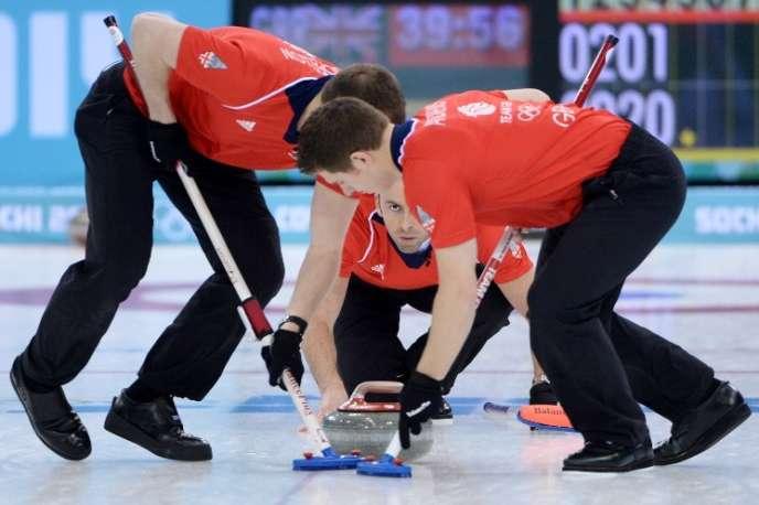 L'équipe britannique de curling, opposée à la Norvège aux JO, le 16 février 2014.