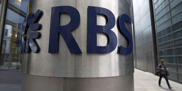 L'actionnaire principal de RBS – le gouvernement de Sa Majesté, qui détient 80 % de la banque après son sauvetage par le biais de fonds publics en 2008 – s'est opposé à une proposition visant à porter les bonus à deux fois les salaires fixes, limite exceptionnelle autorisée par une récente loi européenne.